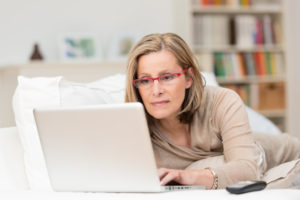 woman-looking-at-laptop